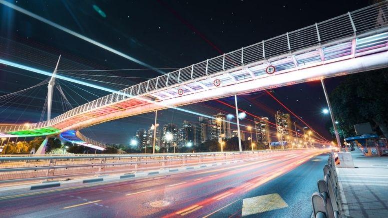 גשר ז'בוטינסקי בפתח תקווה